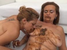 Lesbian Scat