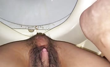 Hairy Brazilian hooker pooping
