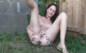 Hot latina undressed slowly to poop