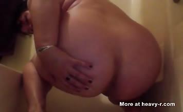 Shitting chubby girl