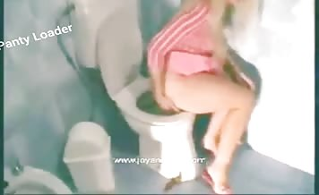 Blonde teen missed toilet