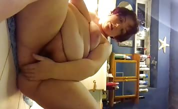 BBW babe masturbating and pooping