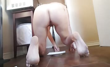 Amateur babe couldn't hold it anymore