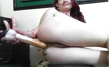 Redhead babe shitting