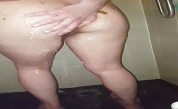 Time to clean poop from her body