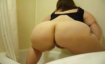 BBW babe shits a lot over toilet