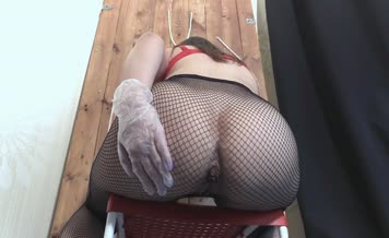 She shits in black fishnets
