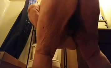 Fat babe shits on bathroom floor