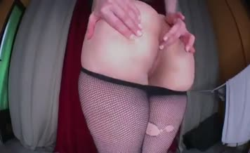 Teen with amazing ass pooping