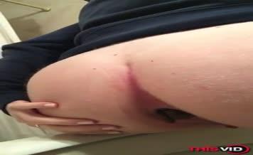 Amateur babe shitting
