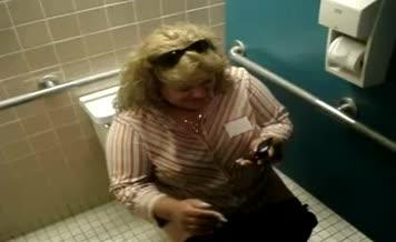 Blonde chubby babe shitting