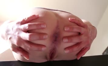 Babe with hot ass close up pooping