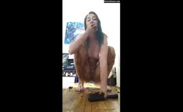 Hot college girl eats her own shit while masturbating