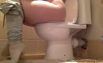 Chubby babe filled toilet with poop