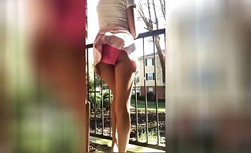 She's pooping in pink panties